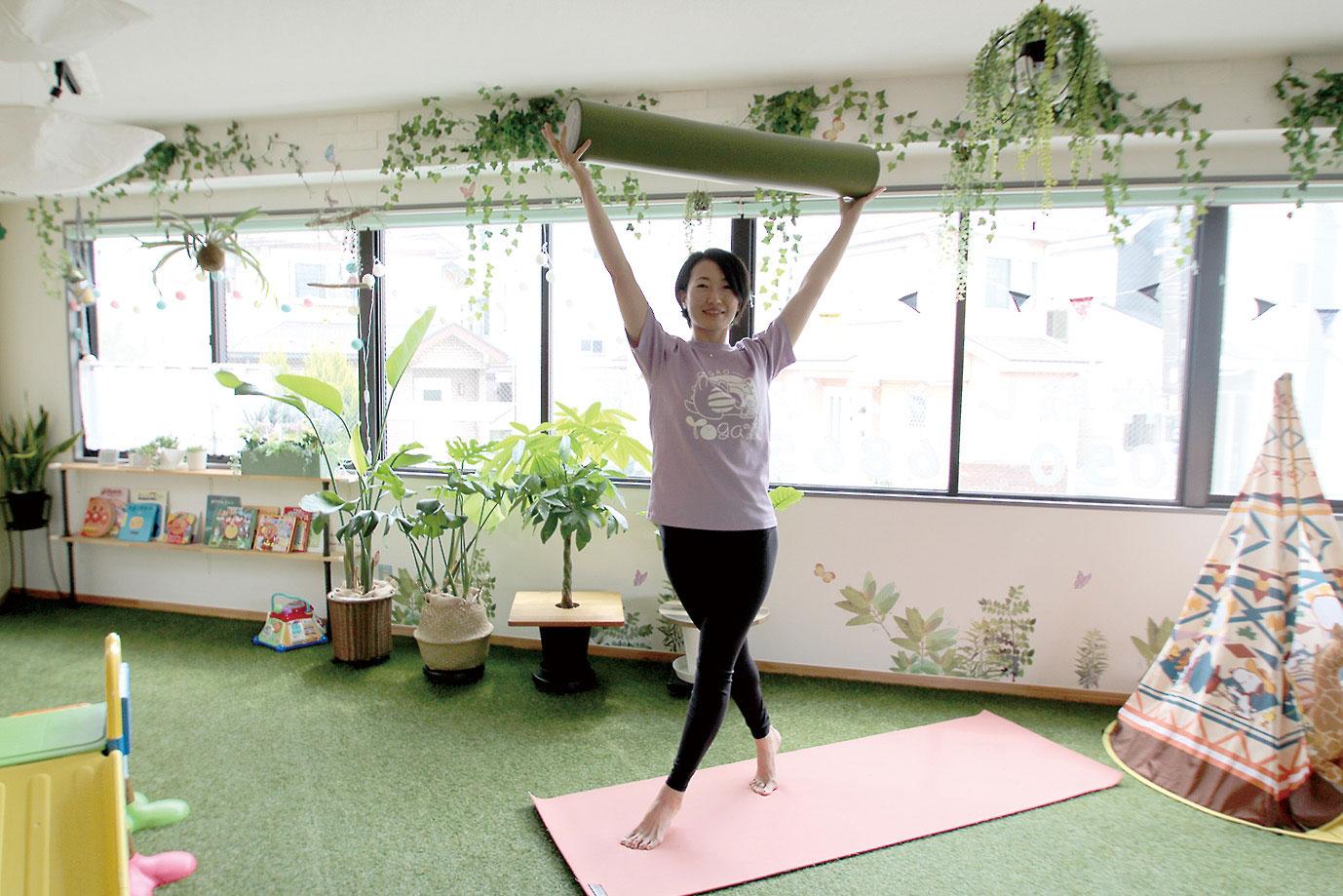子どもと一緒に楽しく体を動かそう!  ママによるママのためのヨガスタジオ。